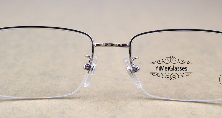 Cartier Metal Classic Unisex Half Frame Eyeglasses CT5813913插图4